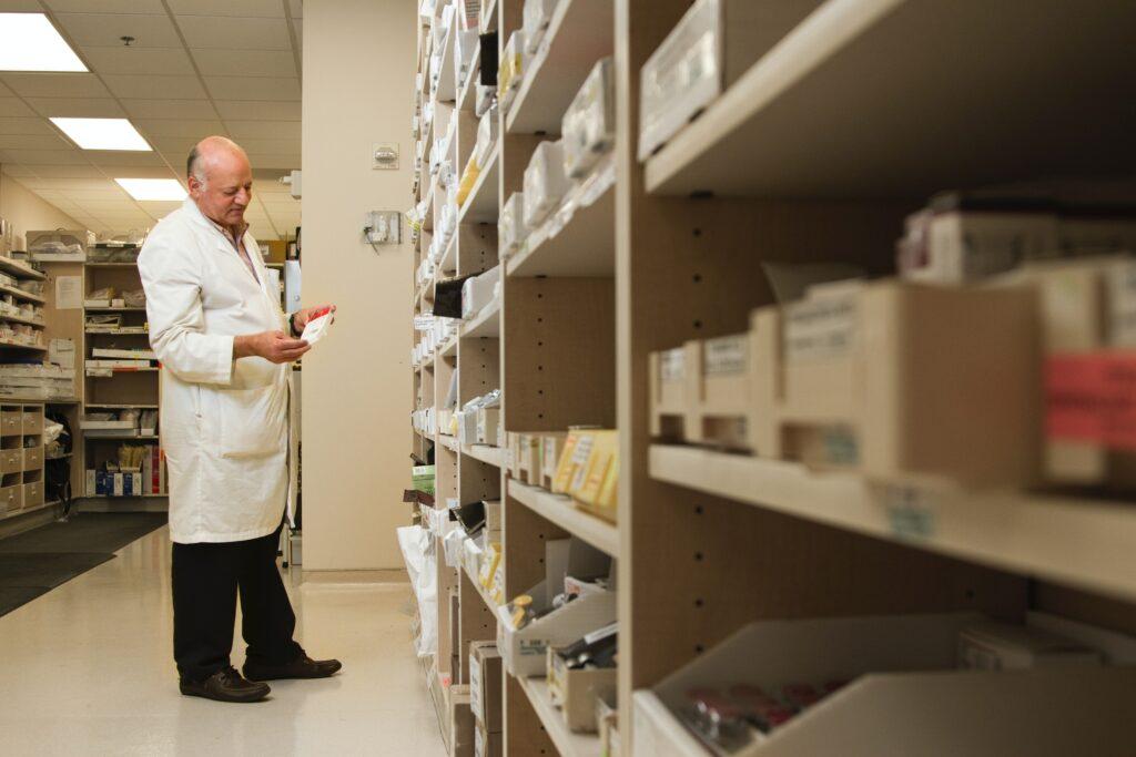 pharma-equipment-manufacturers